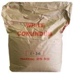 saco de corindón blanco